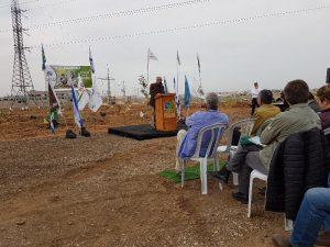 אלי לוי ראש המ.מ להבים מברך באירוע הנטיעות